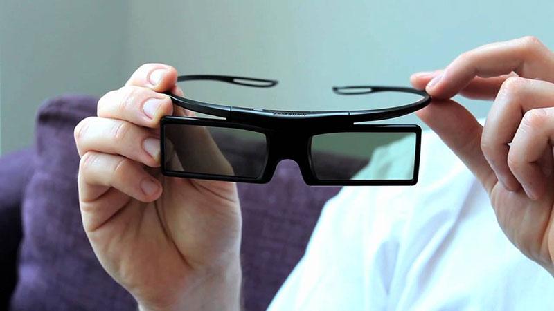 Óculos para TVs 3D do tipo passivo (2010)